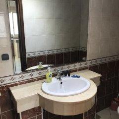 Отель Résidence Les Ambassadeurs Марокко, Рабат - отзывы, цены и фото номеров - забронировать отель Résidence Les Ambassadeurs онлайн ванная фото 2