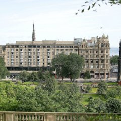 Отель Mercure Edinburgh City Princes Street Эдинбург балкон