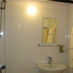 Отель Little River Guest House OLD Боженци ванная