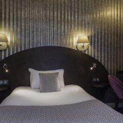 Отель Hôtel de Neuve Le Marais by Happyculture сейф в номере