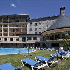 Отель Parador de Vielha бассейн