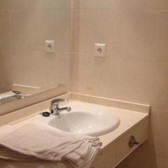 Отель Holastays Jardines Del Turia Испания, Валенсия - отзывы, цены и фото номеров - забронировать отель Holastays Jardines Del Turia онлайн ванная