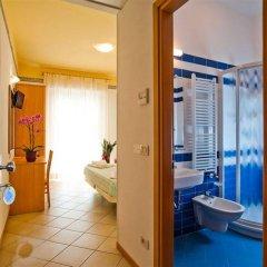 Отель Boom Италия, Римини - отзывы, цены и фото номеров - забронировать отель Boom онлайн ванная