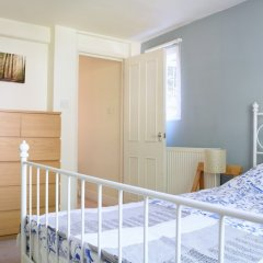 Отель Spacious 1 Bedroom By Finsbury Park Великобритания, Лондон - отзывы, цены и фото номеров - забронировать отель Spacious 1 Bedroom By Finsbury Park онлайн комната для гостей фото 4