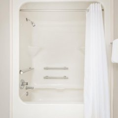 Отель Super 8 by Wyndham Jasper ванная