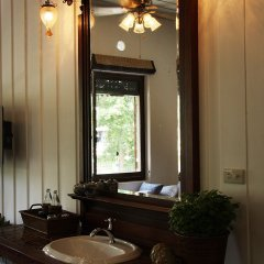 Отель The Bhuthorn Bed and Breakfast ванная фото 2