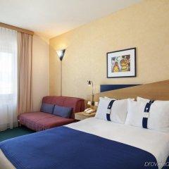 Отель Holiday Inn Express Geneva Airport Швейцария, Мерен - отзывы, цены и фото номеров - забронировать отель Holiday Inn Express Geneva Airport онлайн комната для гостей фото 4