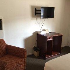 Отель Holiday Lodge США, Лос-Анджелес - отзывы, цены и фото номеров - забронировать отель Holiday Lodge онлайн удобства в номере