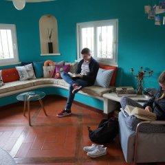 Отель The White House - B&b In The Villa Пешао интерьер отеля фото 3