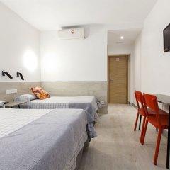 Отель Hostal Castilla II Puerta del Sol комната для гостей фото 5