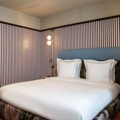 Отель du Rond-Point des Champs Elysees Франция, Париж - 1 отзыв об отеле, цены и фото номеров - забронировать отель du Rond-Point des Champs Elysees онлайн комната для гостей фото 2