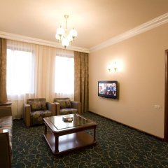 Russia Hotel (Цахкадзор) комната для гостей фото 2