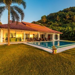 Отель On The Beach Villa by Lofty