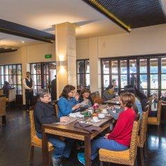 Отель Shangri La Hotel Непал, Катманду - отзывы, цены и фото номеров - забронировать отель Shangri La Hotel онлайн питание фото 2