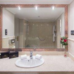 Отель Los Monteros Spa & Golf Resort ванная фото 2
