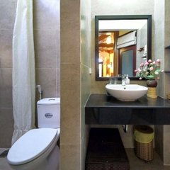Отель Loc Phat Homestay Хойан ванная фото 2