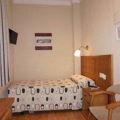 Отель Hostal Santillan Испания, Мадрид - отзывы, цены и фото номеров - забронировать отель Hostal Santillan онлайн комната для гостей
