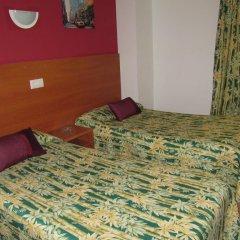 Отель Pensio El Moli Испания, Льорет-де-Мар - отзывы, цены и фото номеров - забронировать отель Pensio El Moli онлайн комната для гостей фото 3