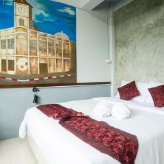 Beehive Phuket Oldtown Hostel Пхукет комната для гостей фото 3