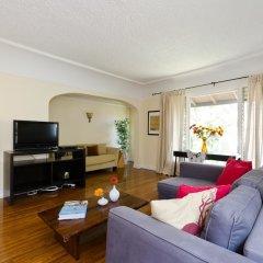 Отель LA155 2 Bedroom Apartment By Senstay США, Лос-Анджелес - отзывы, цены и фото номеров - забронировать отель LA155 2 Bedroom Apartment By Senstay онлайн комната для гостей фото 5