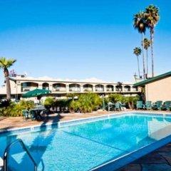 Отель Super 8 by Wyndham Los Angeles США, Лос-Анджелес - отзывы, цены и фото номеров - забронировать отель Super 8 by Wyndham Los Angeles онлайн с домашними животными