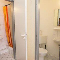 Отель acama Hotel & Hostel Kreuzberg Германия, Берлин - 1 отзыв об отеле, цены и фото номеров - забронировать отель acama Hotel & Hostel Kreuzberg онлайн ванная фото 2