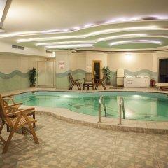 Bilek Istanbul Hotel Турция, Стамбул - 1 отзыв об отеле, цены и фото номеров - забронировать отель Bilek Istanbul Hotel онлайн бассейн фото 2