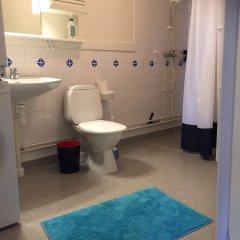 Апартаменты Eklanda Apartment Lilla Bommen Гётеборг ванная