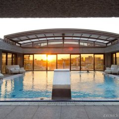 Отель Hilton Madrid Airport бассейн фото 2