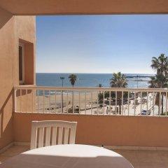 Отель Apartamentos Jabega Испания, Фуэнхирола - отзывы, цены и фото номеров - забронировать отель Apartamentos Jabega онлайн балкон