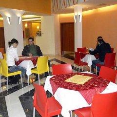 Отель City Central De Luxe Чехия, Прага - 5 отзывов об отеле, цены и фото номеров - забронировать отель City Central De Luxe онлайн интерьер отеля фото 2