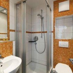 Отель DJH City-Hostel Köln-Riehl Германия, Кёльн - отзывы, цены и фото номеров - забронировать отель DJH City-Hostel Köln-Riehl онлайн ванная