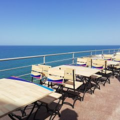 Гостиница Caspian Riviera Grand Palace Казахстан, Актау - отзывы, цены и фото номеров - забронировать гостиницу Caspian Riviera Grand Palace онлайн пляж