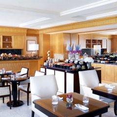 Отель The Ritz-Carlton, Dubai International Financial Centre ОАЭ, Дубай - 8 отзывов об отеле, цены и фото номеров - забронировать отель The Ritz-Carlton, Dubai International Financial Centre онлайн фото 12