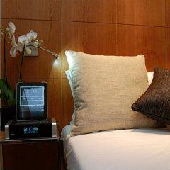 Browns Downtown Hotel сейф в номере