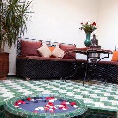 Отель Riad Dar Bennani бассейн