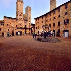 Отель Leon Bianco Италия, Сан-Джиминьяно - отзывы, цены и фото номеров - забронировать отель Leon Bianco онлайн парковка