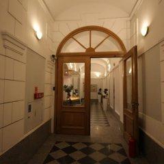 One Lucky Hostel - Old Town интерьер отеля