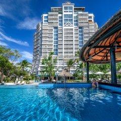 Отель Andaman Beach Suites Пхукет бассейн