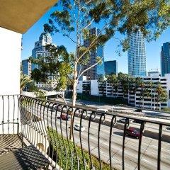 Отель Medici Apartel Лос-Анджелес балкон