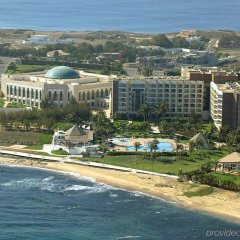 Отель King Fahd Palace пляж