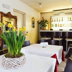 Отель Motel Autosole 2 Милан гостиничный бар