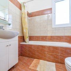 Отель Villa Galina Кипр, Протарас - отзывы, цены и фото номеров - забронировать отель Villa Galina онлайн ванная