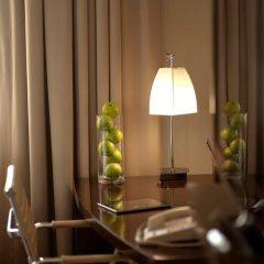 Отель Crowne Plaza Dubai Deira удобства в номере фото 2