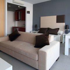 Отель Aparthotel Four Elements Suites Испания, Салоу - 1 отзыв об отеле, цены и фото номеров - забронировать отель Aparthotel Four Elements Suites онлайн комната для гостей фото 2