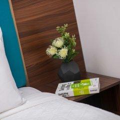 Golden Time Hostel Ханой сейф в номере