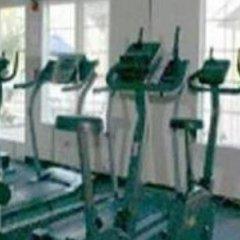 Отель Charter Inn and Suites спортивное сооружение