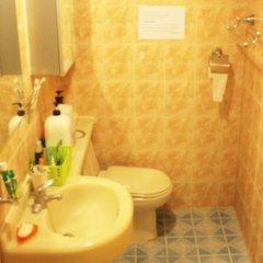 Отель Itaewon Backpackers ванная