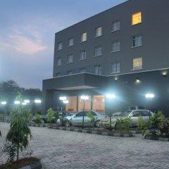 Отель Golden Tulip Ibadan парковка