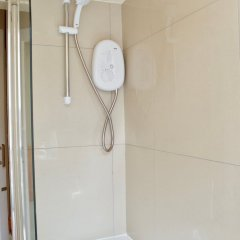 Отель 1 Bedroom Flat In Roseburn Эдинбург ванная фото 2